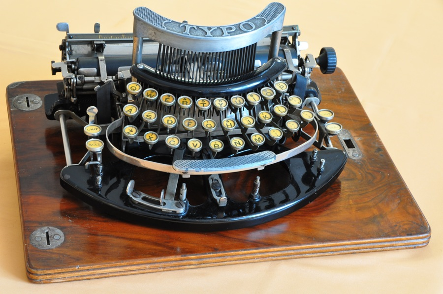 typo 1908 l 39 aventure de la machine crire et calculer. Black Bedroom Furniture Sets. Home Design Ideas